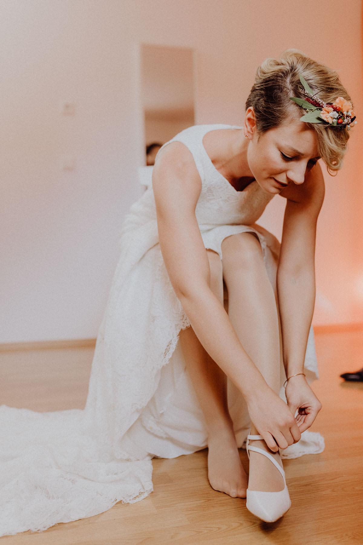 Vintage Scheunenhochzeit Schwäbische Alb Getting Ready Braut