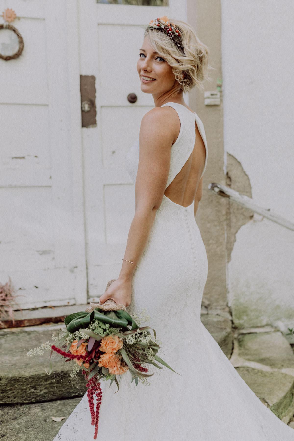 Brautshooting Brautkleid Scheunen Hochzeit