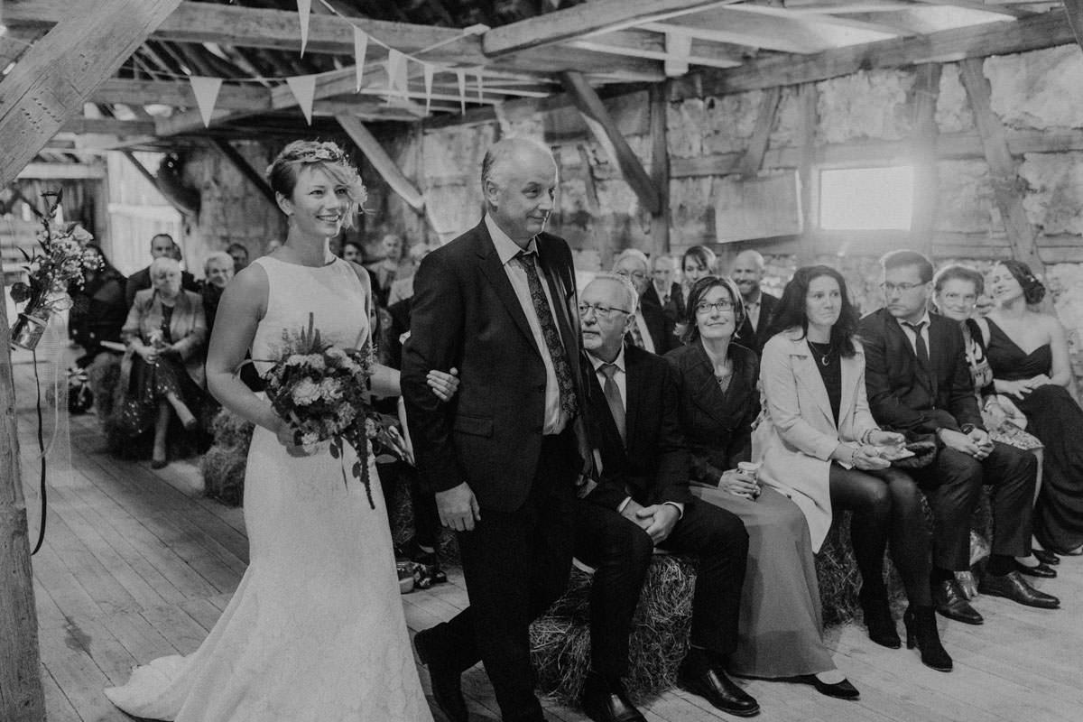 Vintage Scheunen Hochzeit Zeremonie Trauung Einzug