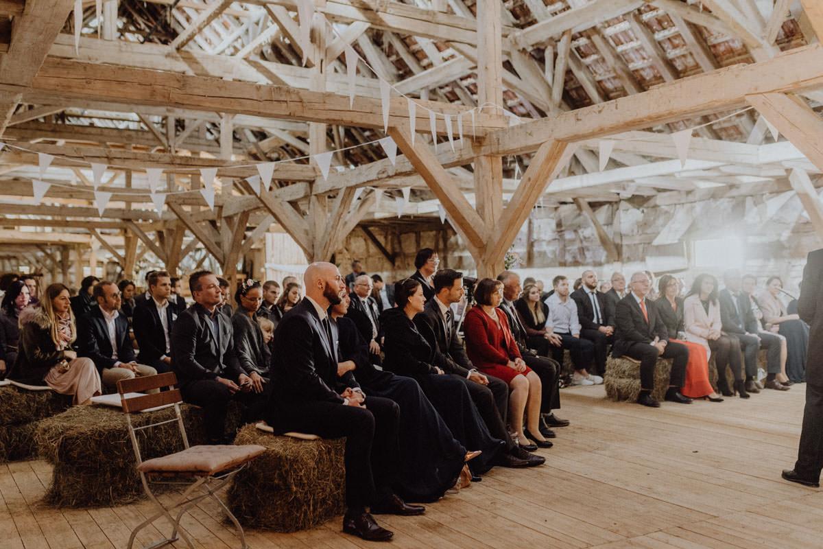 Vintage Scheunenhochzeit Zeremonie Trauung