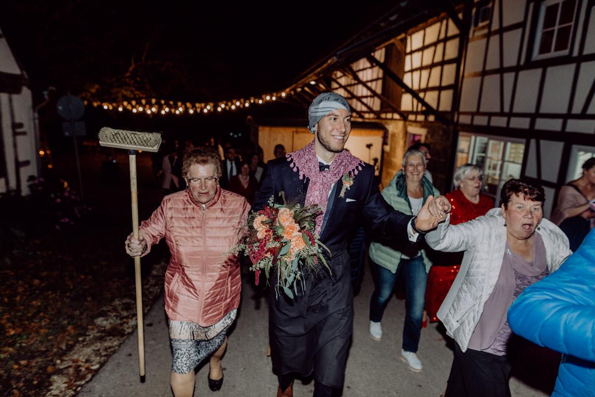 Vintage Scheunen Hochzeit Schwäbische Alb Siebenbürgen Brautklau