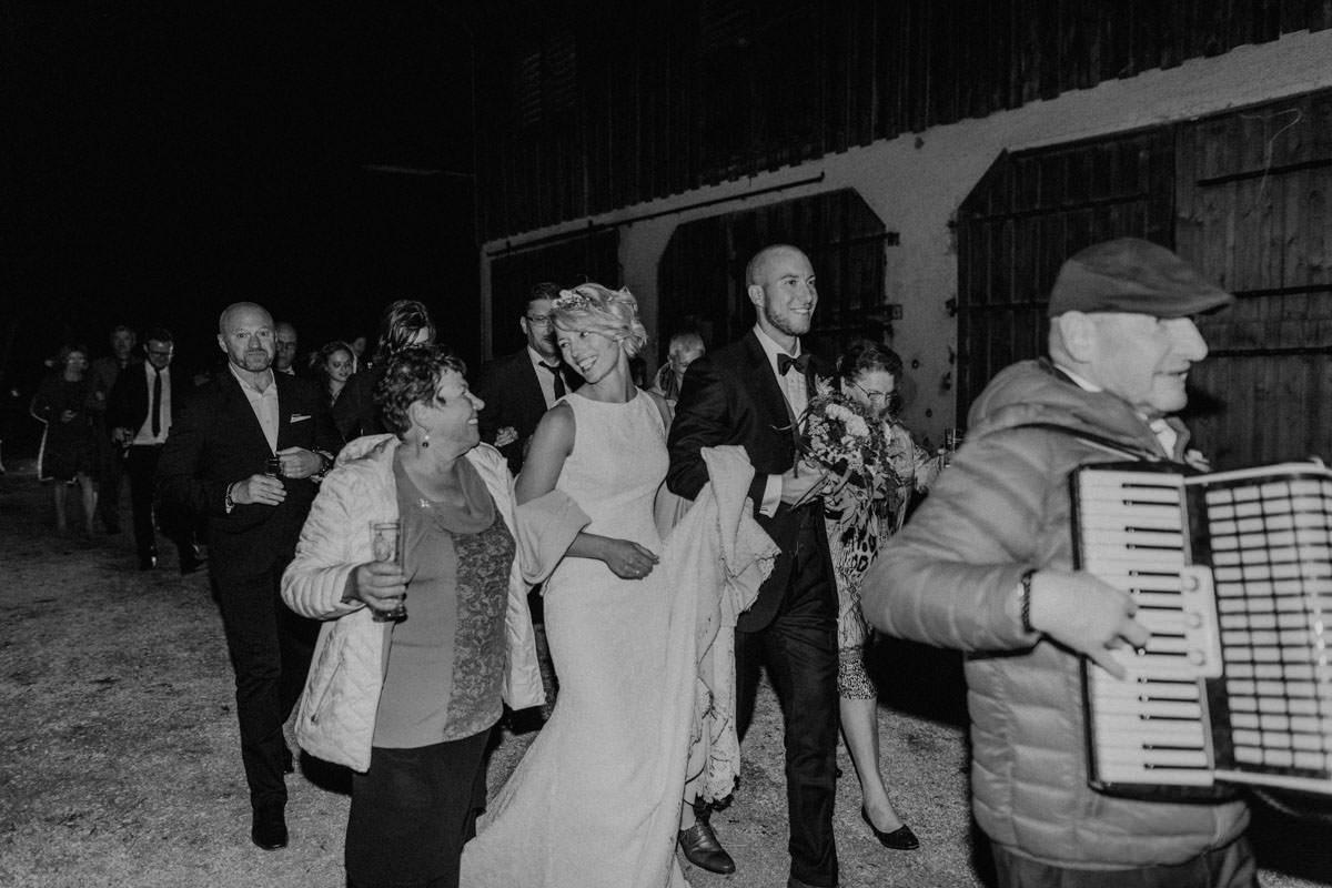 Vintage Scheunen Hochzeit Schwäbische Alb Brautklau