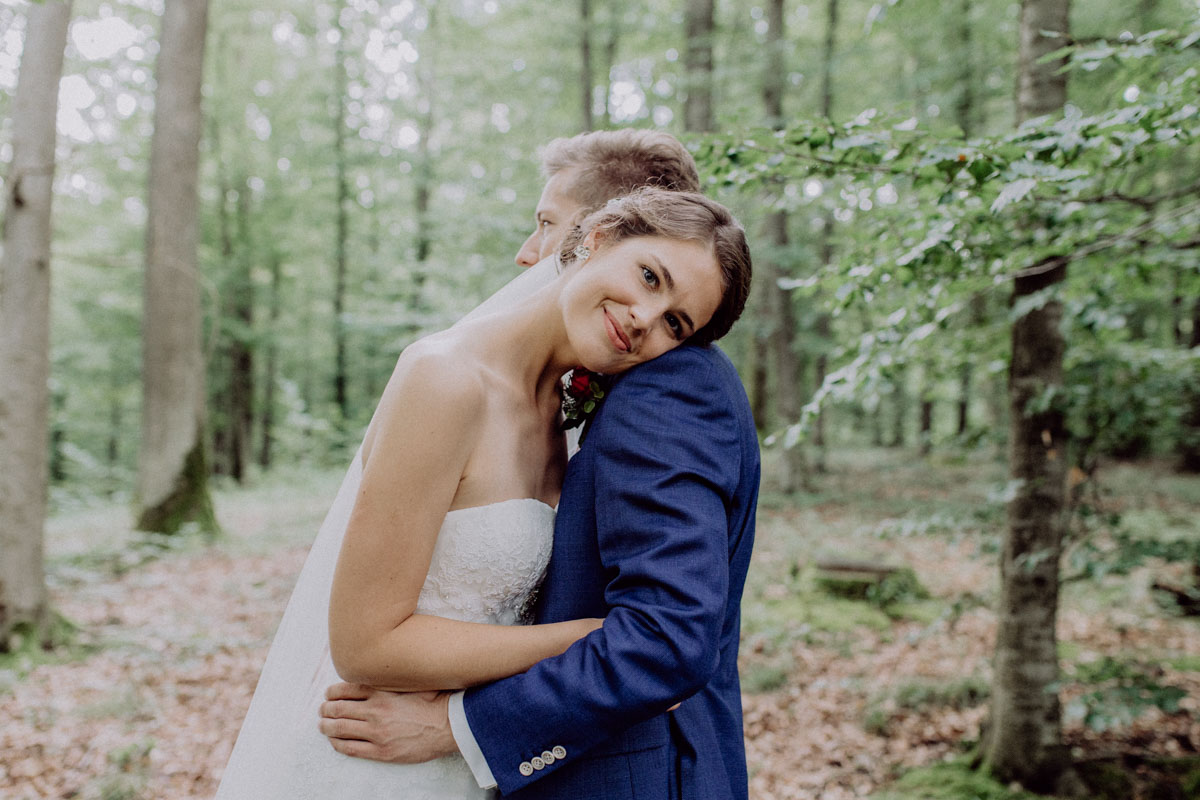 wedding shooting in the forest
