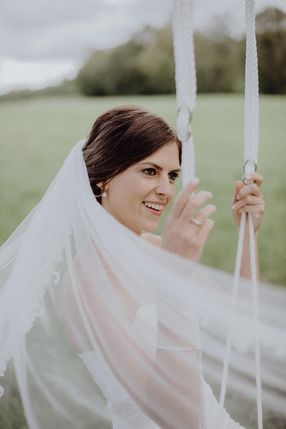 Hochzeitsfotograf Stuttgart Braut Shooting Braut Schaukel Hochzeitsshooting