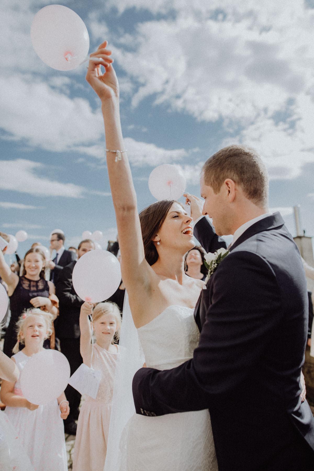 Ballonsteigen Hochzeit Sommer
