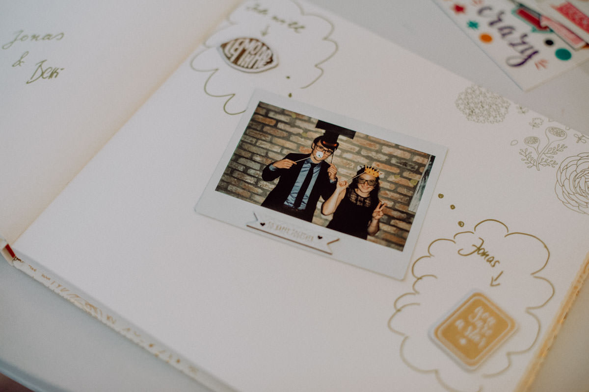 Gästebuch Polaroid Kamera Hochzeitsfotograf