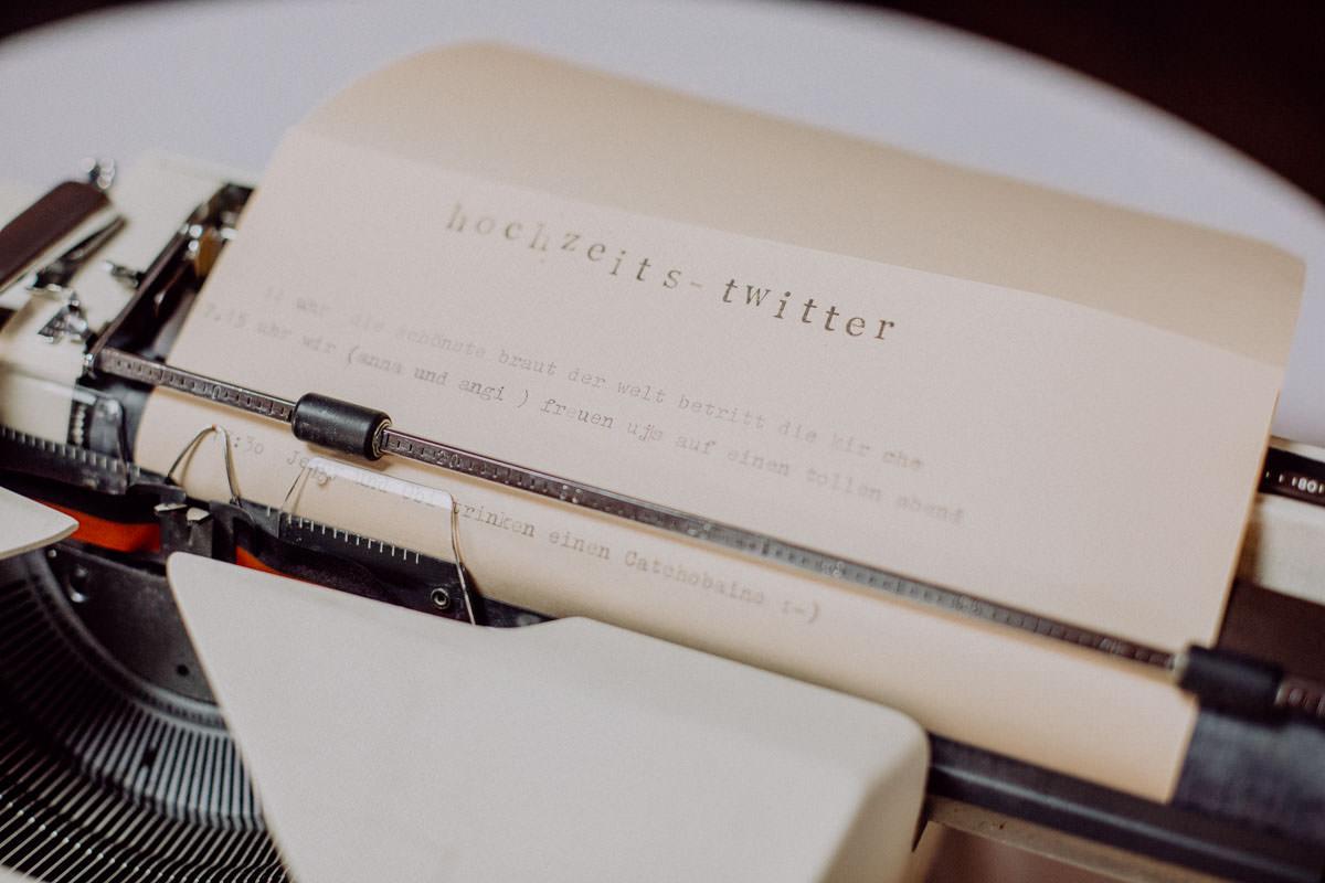 Details Hochzeit Programm Schreibmaschine Hochzeitstwitter