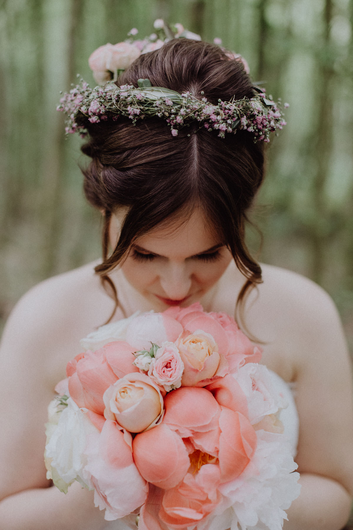 Vintage Bouquet Bride