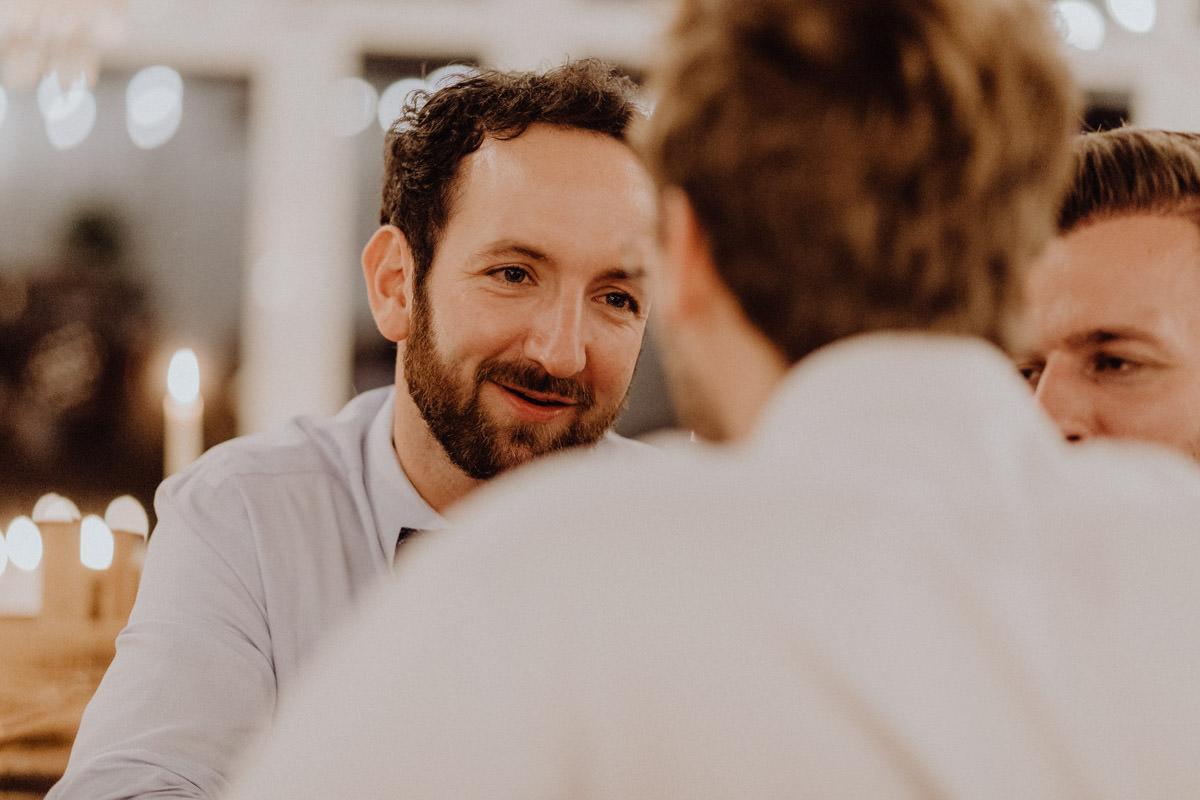 Gespräch Hochzeit